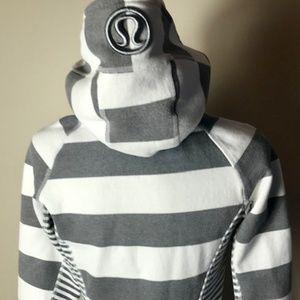 Lululemon size 6 scuba hoodie with thumb hole